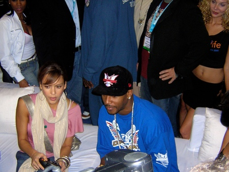 Jessica Alba with the good old original 'Phat' Xbox controller