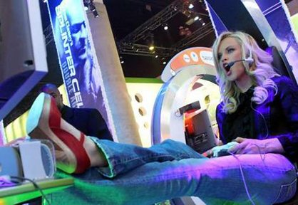 Mrs Jim Carey, Jenny McCarthy at another Xbox event